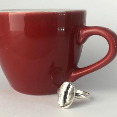 anillo de plata de un grano de cafe coffee ring mycoffeebox joyeria artesanal